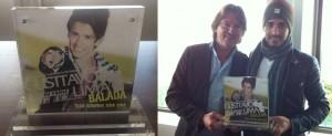 Durante sua primeira turnê pela Europa, Gusttavo Lima recebeu hoje, 04, em Amsterdã na Holanda um prêmio pela música 'Balada ...