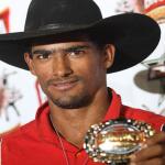 O grande campeão da etapa Brahma Super Bull PBR de Guaxupé foi Douglas Lino da cidade de Morro Agudo (SP). ...