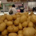 O preço da batata atingiu o maior patamar dos últimos 10 anos. A redução da área plantada e a falta ...