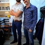 Michel Teló e Rodrigo Faro saíram disfarçados pelas ruas de São Paulo. A dupla,com cara de fazendeiros caipiras, pegou ônibus, ...