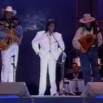 """Encontro único de Almir Sater, Sérgio Reis e Robertor Carlos cantando e tocando a música """"Rei Do Gado"""" uma moda ..."""