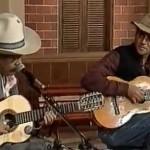 """Encontro de dois gênios musicais brasileiros, Almir Sater e Tião Carreiro em uma """"Violada"""" de Improviso, exibido no programa Viola, ..."""
