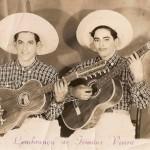 """Vieira e Vieirinha fizeram parte da chamada """"primeira linha"""" do rádio. Neste vídeo a dupla canta """"Garça Branca"""", no programa ..."""