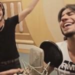"""Os sertanejos Munhoz e Mariano gravaram a música """"Todo Mundo"""" (tema da copa do mundo de uma marca de refrigerantes) ..."""