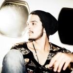 """Curtindo a sua nova fase musical e o sucesso do DVD """"O Nosso Tempo é Hoje"""", o cantor Luan Santana ..."""