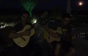 Curtindo mais um domingo com os amigos, o cantor Eduardo Costa aproveitou para disponibilizar para seus fãs um vídeo onde ...