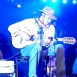 """Almir cantando """"Mês de Maio"""", sucesso do CD de 1994 """"Terra de Sonhos"""""""
