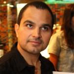O cantor Luciano Camargo causou a maior polêmica ao declarar que os eleitores, que reelegeram o deputado federal Tiririca, ...