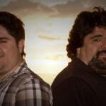 """Os irmão e cantores sertanejos César Menotti e Fabiano acabam de lançar sua mais nova música, """"Mesa 22″, uma moda ..."""