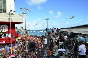 Pelo quinto ano consecutivo, a dupla Jorge e Mateus é presença confirmada no Carnaval de Salvador. Neste ano, os cantores que são os pioneiros em disseminar o sertanejo pelo carnaval da Bahia estarão na sexta-feira (13/02) colocando os foliões para ...