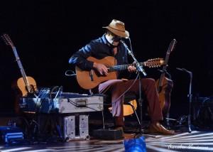 Neste vídeo podemos observar Almir Sater cantando uma das mais belas canções do folclore pantaneiro