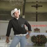Padre Sertanejo na lista dos álbuns mais vendidos do mundo em 2014 O padre Alessandro Campos, conhecido por seus fãs ...