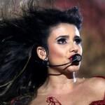 Paula Fernandes se apresenta com vestido super decotado em Extrema (MG) Em seus shows, Paula Fernandes sempre gosta de ousar ...