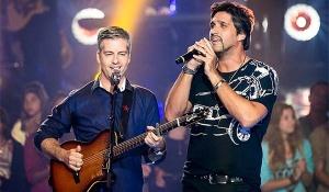 """No próximo mês, os cantores sertanejos etécnicos do programa """"The Voice Brasil"""",Victor e Leo irão fazer uma breve turnê no ..."""