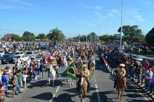 Desfile de Cavaleiros da Festa do Peão de Americana