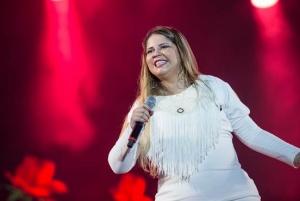 Marília Mendonça completa 01 ano de carreira
