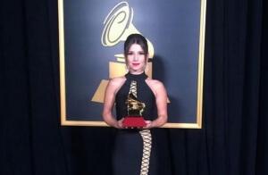 Paula Fernandes no Grammy Latino 2016 Em cerimônia realizada na noite de ontem (17), em Las Vegas, a Academia Latina de Artes e Ciências Discográficas (ALACD), anunciou os vencedores da 17ª edição do Grammy Latino. A participação de Paula Fernandes ...