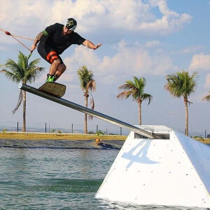 Evento acontece no dia 1º de abril, no Sunset Wake Park