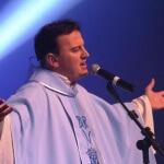 Padre Ezequiel, da Diocese de Caxias do Sul (RS), acaba de lançar oHino aos 300 anos de Aparecida. Um dos ...