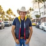"""Seguindo as comemorações de 30 anos de carreira,o""""Cowboy Vagabundo"""", lança sua nova música de trabalho: Zé Cuervo – Juliano Cezar ..."""