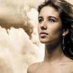 Um pouco da história de Paula Fernandes… Cantora e compositora, Paula Fernandes, 25 anos, nasceu em Sete Lagoas, em Minas ...