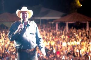 O cantor e compositor Sérigo Reis irá se apresentar no próximo dia 29 na cidade de Três Marias (MG), local ...