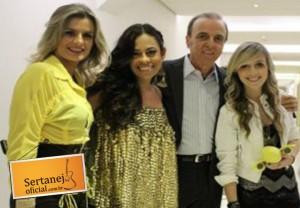 A Barra da Saia participou ontem, domingo (10/11) do show de abertura da 4ª edição do Direito de Viver 2013, ...