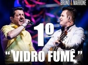 """Em lista divulgada pela Crowley, com levantamento feito até o dia 10 de dezembro, """"Vidro Fumê"""" (abaixo), da dupla Bruno e Marrone, aparece como a música mais tocada do ano nas rádios do Brasil, no ranking sertanejo e no geral, ..."""