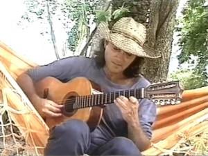 """Almir Sater e Sérgio Reis cantam """"Chalana"""" na casa de Almir no Pantanal Mato Grossense."""