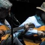 """""""Encontro das águas"""" de Tavinho Moura. Concerto de lançamento do livro e DVD """"Violeiros do Brasil"""", no Chevrolet Hall, Belo ..."""
