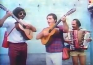 """Vídeo da música """"De longe também se ama"""" extraído do filme """"Na Estrada da Vida"""" lançado no ano de 1980, que conta a trajetória dos cantores Milionário e José Rico, uma das mais importantes duplas sertanejas do Brasil. O filme ..."""