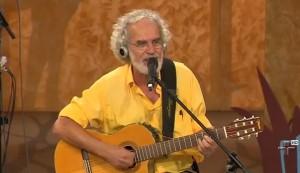 """Renato Teixeira canta """"Amanheceu, Peguei a Viola""""no programa """"Viola, Minha Viola"""" de Inezita Barroso. Vídeo em alta qualidade HD, confira!"""