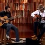 """Almir Sater tocando um Blues """"O Ganso"""" junto com Rodrigo Sater no programa 'Viola minha viola', da TV Cultura, apresentado ..."""