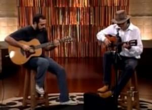 """Almir Sater tocando um Blues """"O Ganso"""" junto com Rodrigo Sater no programa 'Viola minha viola', da TV Cultura, apresentado pela Inezita Barroso."""