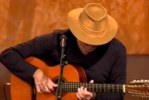 """Almir Sater toca a música instrumental """"Chamamé Rio Abaixo"""", apresentada no programa de Inezita Barrozo, """"Viola, Minha Viola"""", da TV Cultura. Simplismente sensasional!"""