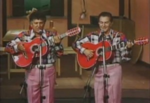 """Tonico e Tinoco cantando """"Chico Mineiro"""", um clássico da música sertaneja de Raiz, vídeo com boa resolução, confira!"""