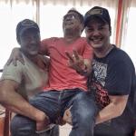 Na tarde de ontem, dia 20, a dupla sertaneja João Bosco e Vinícius se encontrou com o cantor Leonardo saguão ...