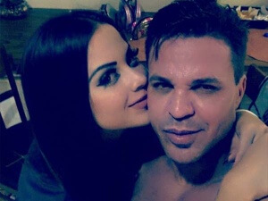 """Pelas redes sociais, Eduardo Costa apresenta nova namorada: Eu acredito no amor, até por que eu canto o amor, eu escrevo o amor é como diz Oswaldo Motenegro; metade de mim é amor e a outra metade também..."""""""