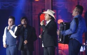 Chitãozinho & Xororó e Bruno & Marrone nos presentearam com mais um vídeo do DVD Clássico!