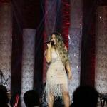 Fernanda Costa - a voz feminina apadrinhada por Bruno e Marrone - lança primeiro single na internet