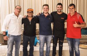 Cantor assina com um dos maiores escritórios artísticos do Brasil