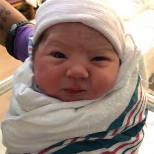 De parto normal, Helena veio ao mundo no dia dos namorados!