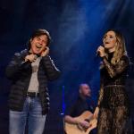 Xororó surpreendeu o público ao subir no palco durante um show da filha!