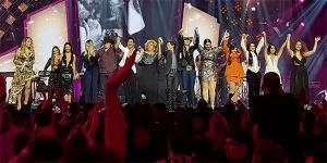 Show contou com participações de Simone e Simaria, Maiara e Maraísa, Anavitória, Ana Clara, Tânia Mara, Marília Mendonça, Bruna Viola, Kell Smith e Alcione
