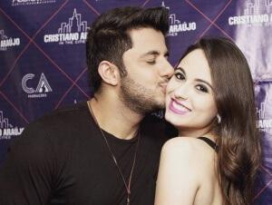 O cantor de 29 anos e a namorada, de 19, morreram em um acidente de carro em 2015