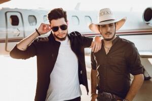 Bruno e Barreto lançam série musical gravada nos EUA! Após dois anos e meio de carreira e cinco músicas lançadas no topo das paradas musicais, o ano de 2018 chega com um grande desafio para a dupla Bruno & Barretto: ...
