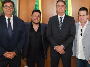 Os cantores agradeceram e se comprometeram a apoiar com a divulgação das ações do governo para o setor turístico brasileiro.